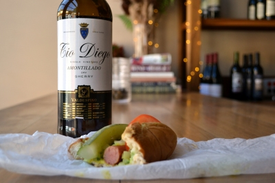 Amontillado_Sherry_With_Hotdogs