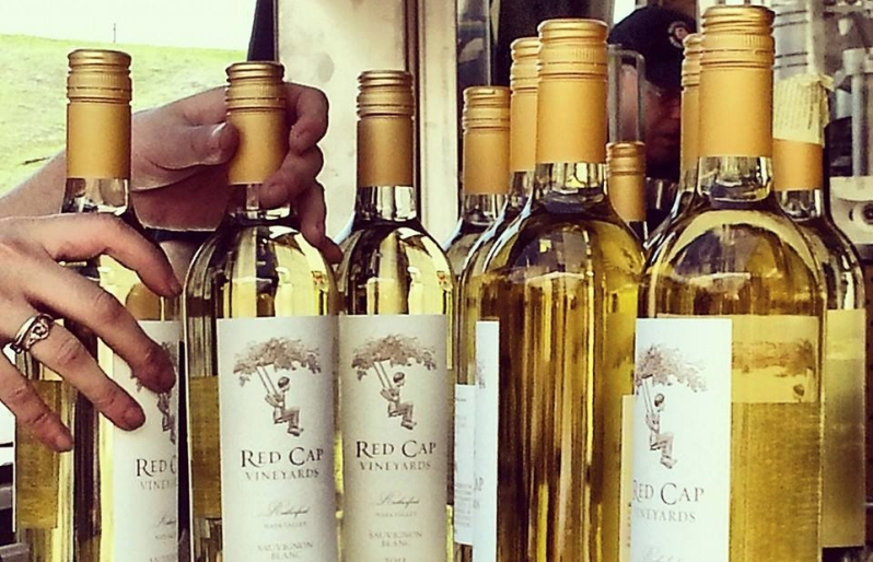 Red_Cap_Vineyards_Sauvignon_Blanc_Screw_Cap